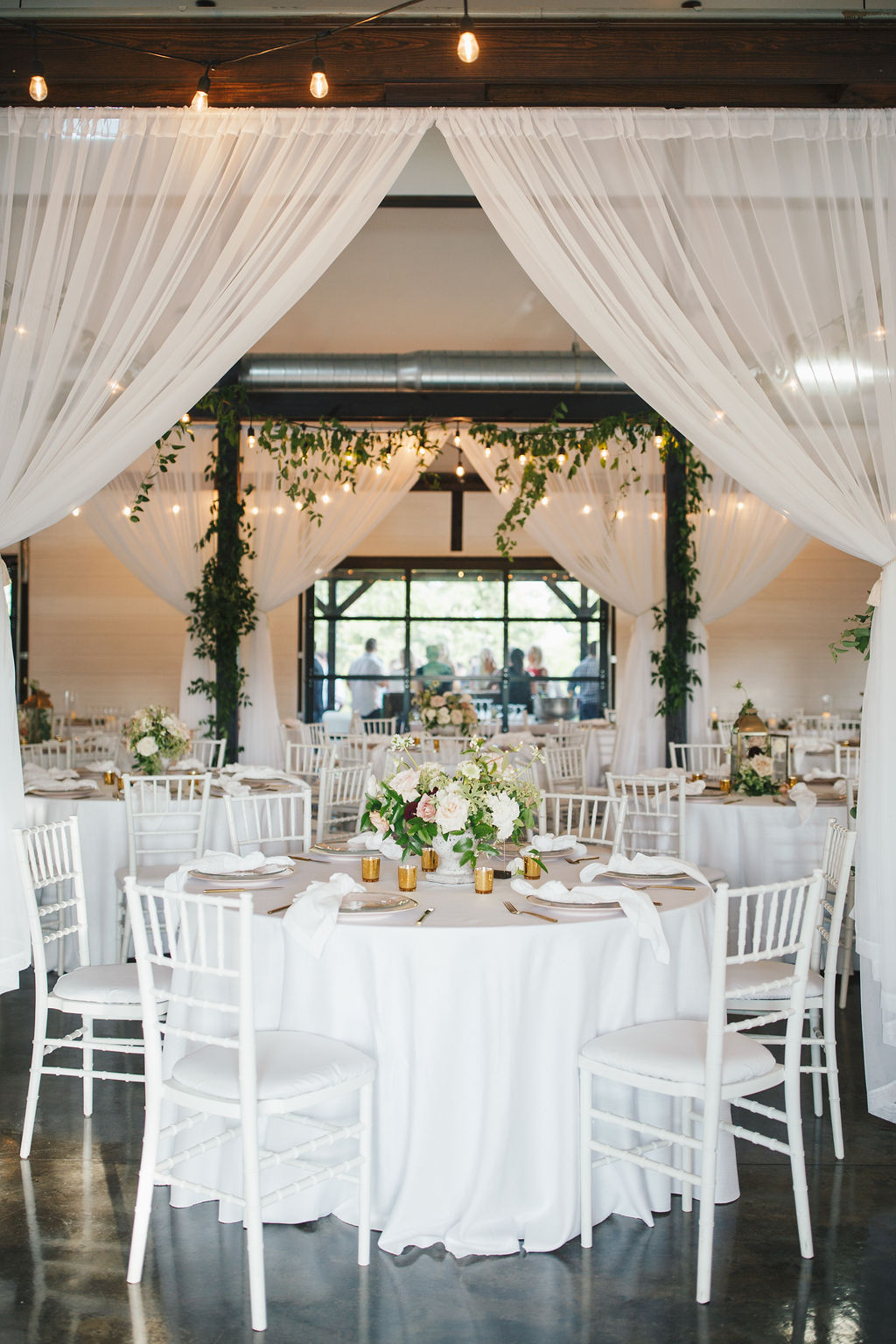 Bixby White Barn Tulsa Wedding 101l.jpg