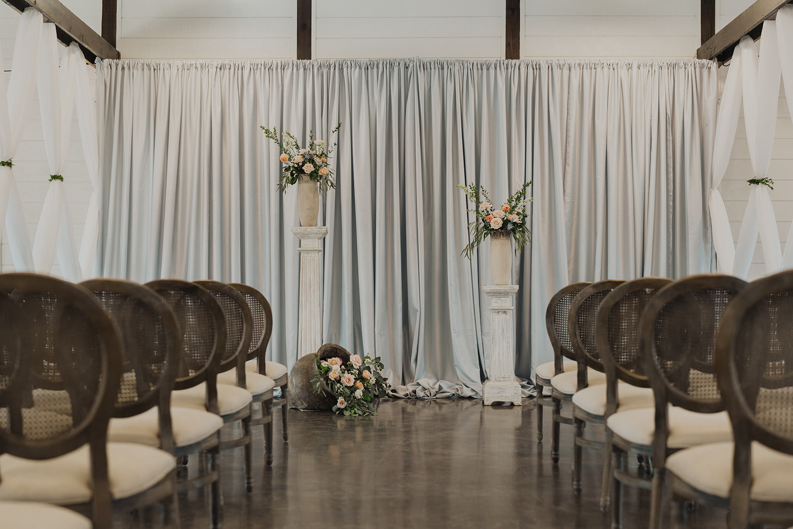 Indoor Ceremony Tulsa Wedding Venue Dream Point Ranch 0.jpg