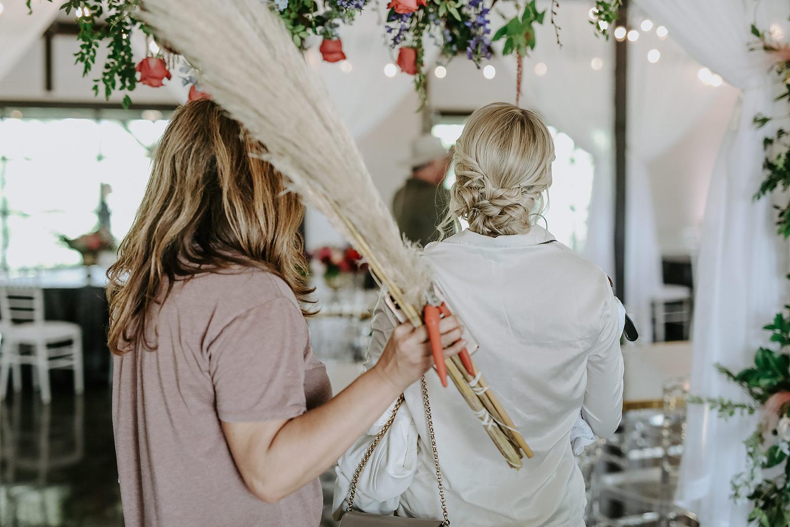 Oklahoma Outdoor Wedding Tulsa White Barn Venue 2.jpg