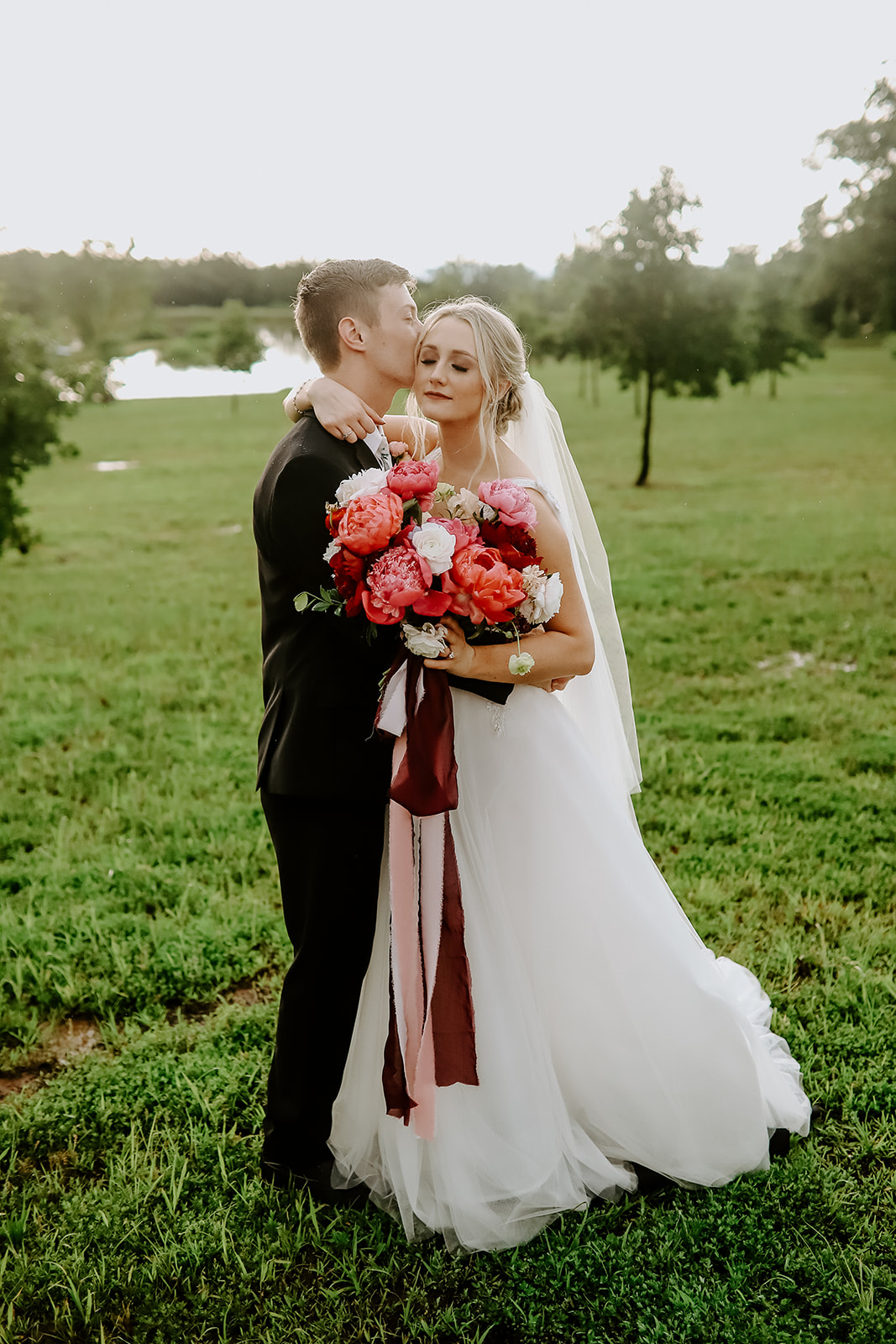 Oklahoma Outdoor Wedding Tulsa White Barn Venue 80.jpg