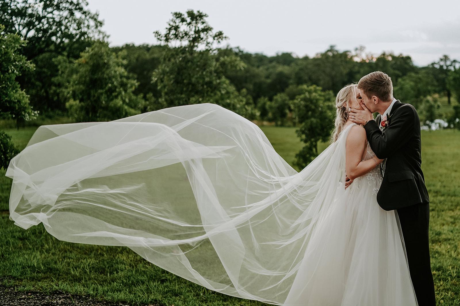 Oklahoma Outdoor Wedding Tulsa White Barn Venue 82a.jpg