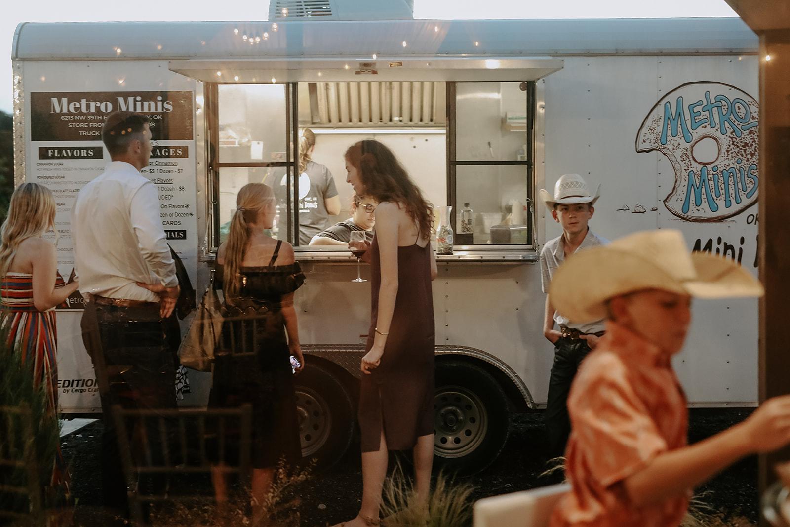 Oklahoma Outdoor Wedding Tulsa White Barn Venue 89.jpg