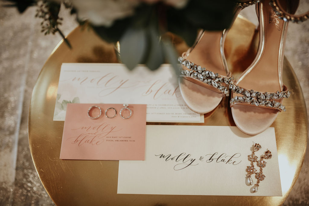 Best Oklahoma Outdoor Wedding Venue Tulsa Bixby White Barn 2.jpg