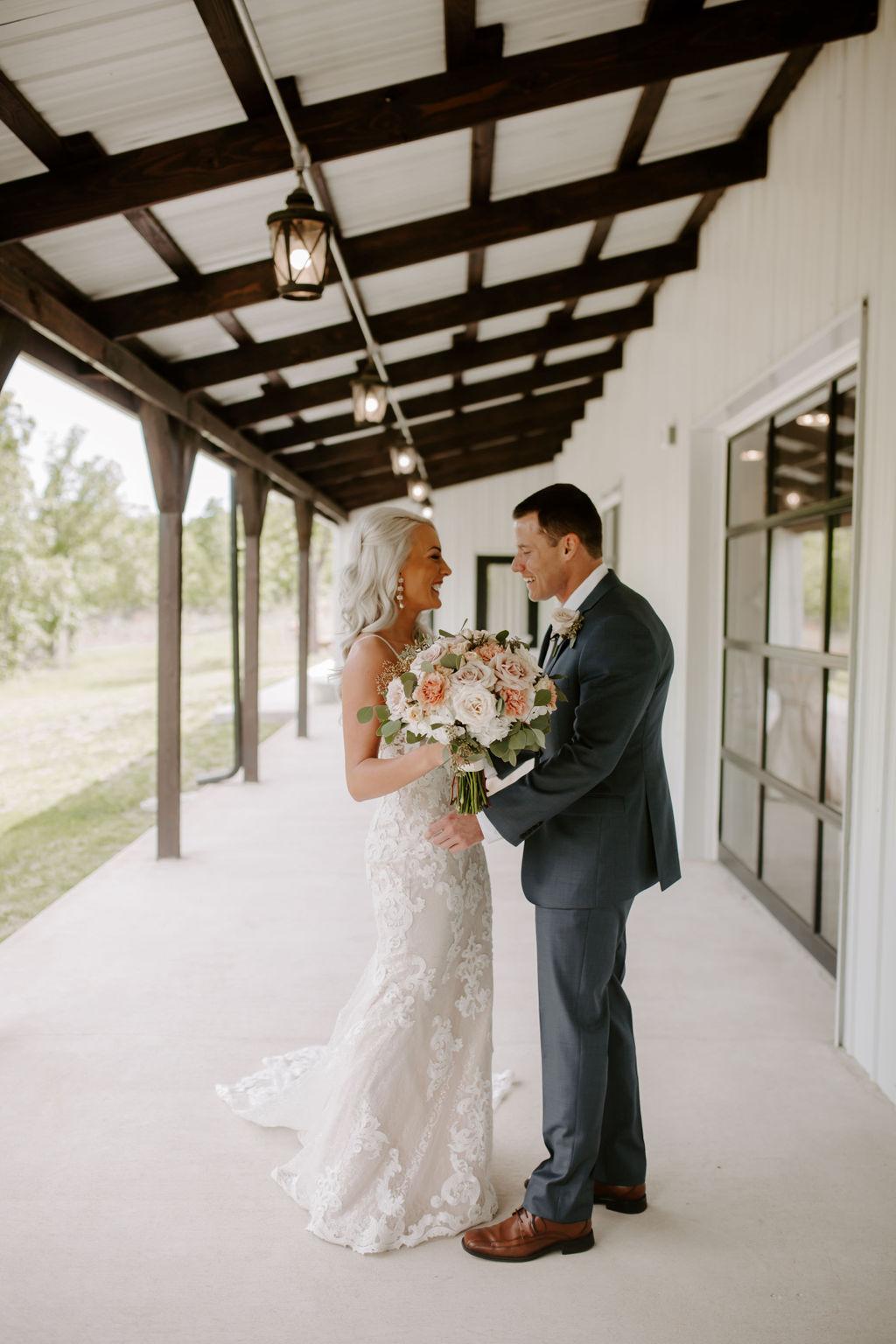Best Oklahoma Outdoor Wedding Venue Tulsa Bixby White Barn 10.jpg