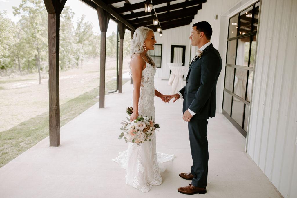 Best Oklahoma Outdoor Wedding Venue Tulsa Bixby White Barn 11.jpg