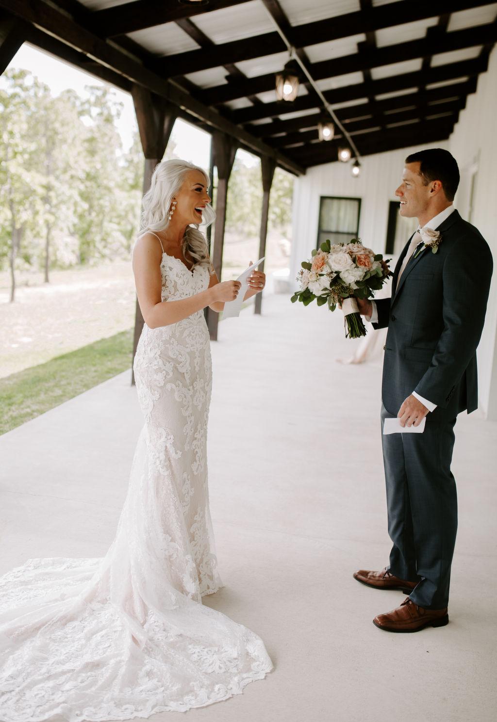 Best Oklahoma Outdoor Wedding Venue Tulsa Bixby White Barn 14.jpg