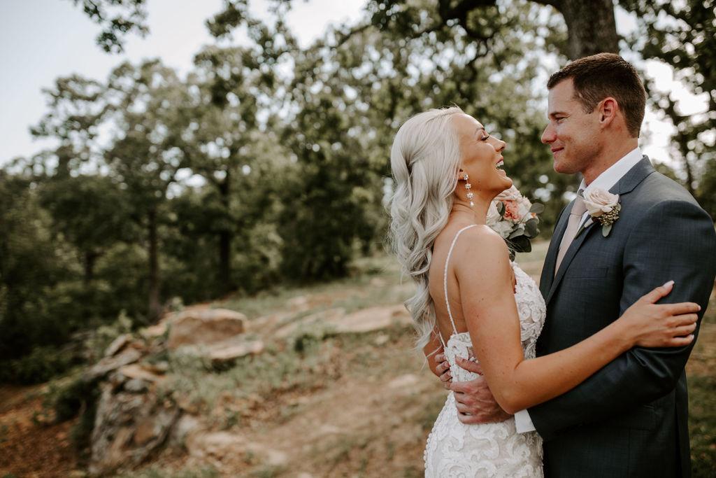 Best Oklahoma Outdoor Wedding Venue Tulsa Bixby White Barn 18.jpg