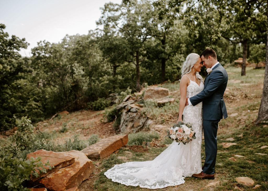 Best Oklahoma Outdoor Wedding Venue Tulsa Bixby White Barn 17.jpg
