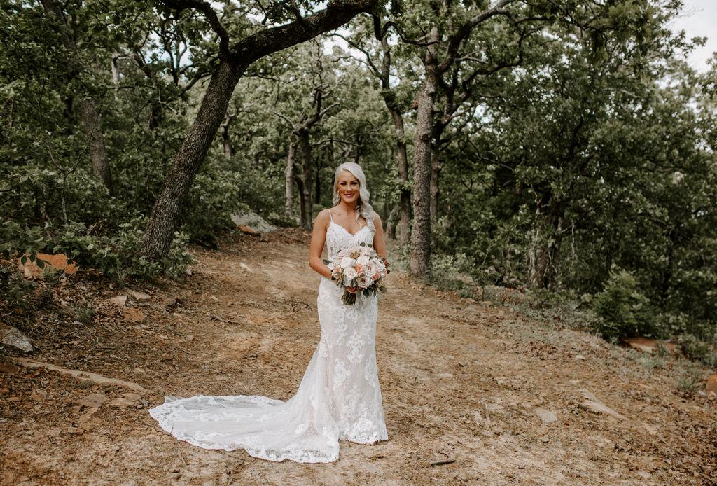 Best Oklahoma Outdoor Wedding Venue Tulsa Bixby White Barn 23.jpg