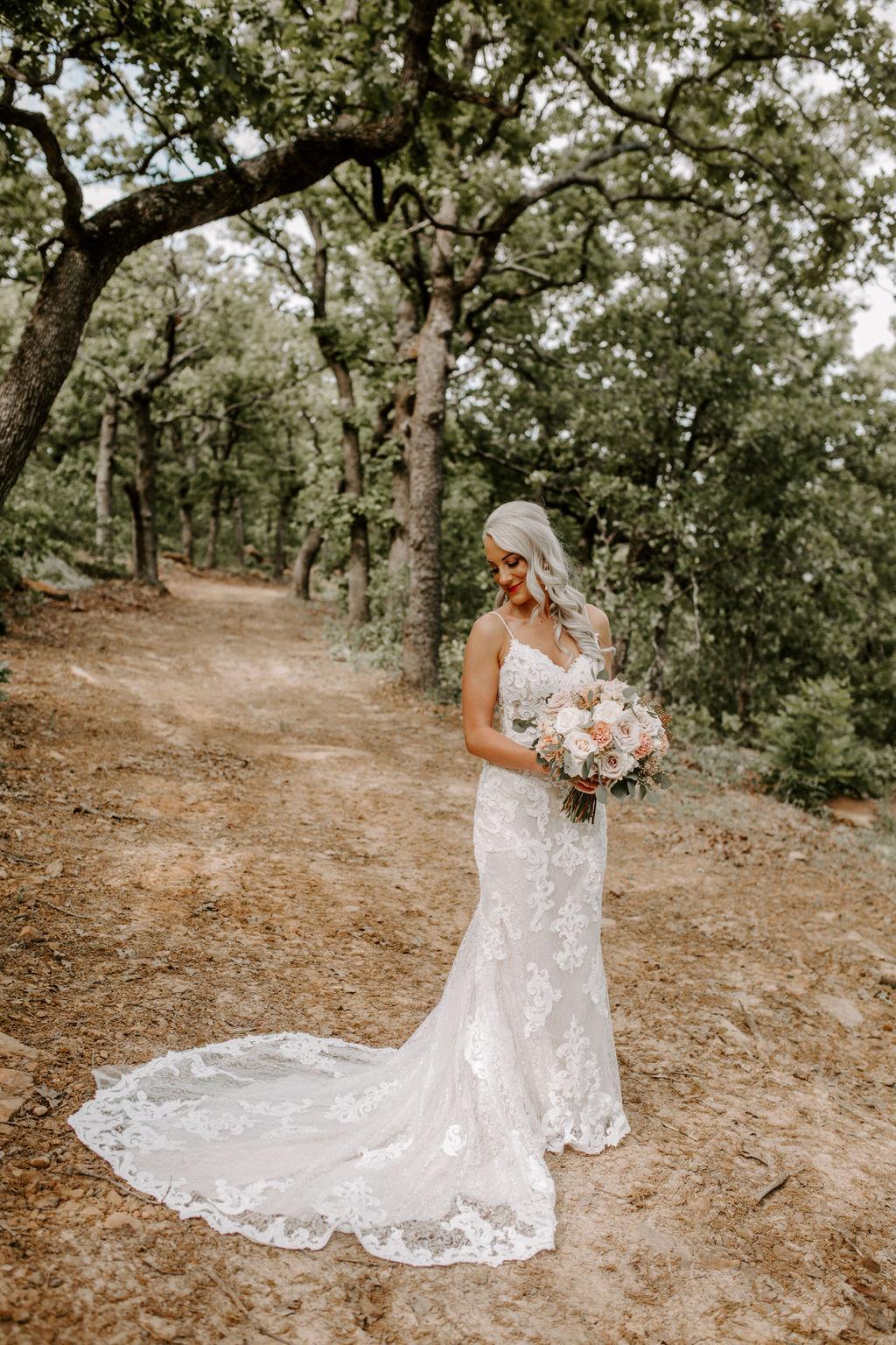 Best Oklahoma Outdoor Wedding Venue Tulsa Bixby White Barn 22.jpg