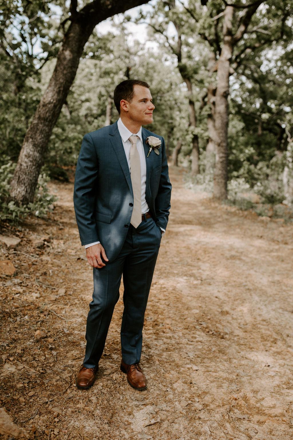 Best Oklahoma Outdoor Wedding Venue Tulsa Bixby White Barn 25.jpg