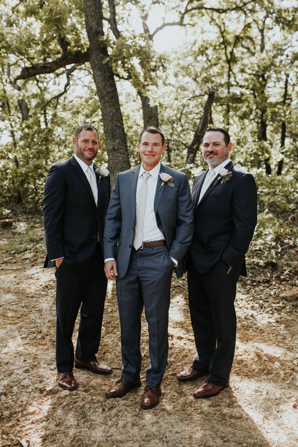 Best Oklahoma Outdoor Wedding Venue Tulsa Bixby White Barn 28.jpg