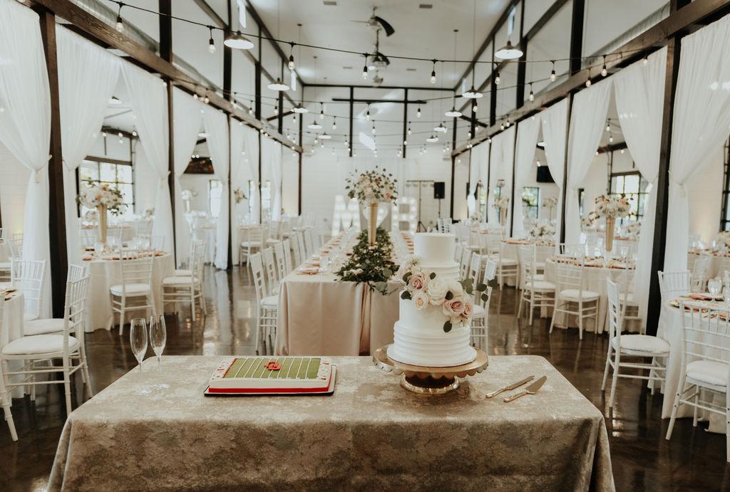 Best Oklahoma Outdoor Wedding Venue Tulsa Bixby White Barn 39.jpg