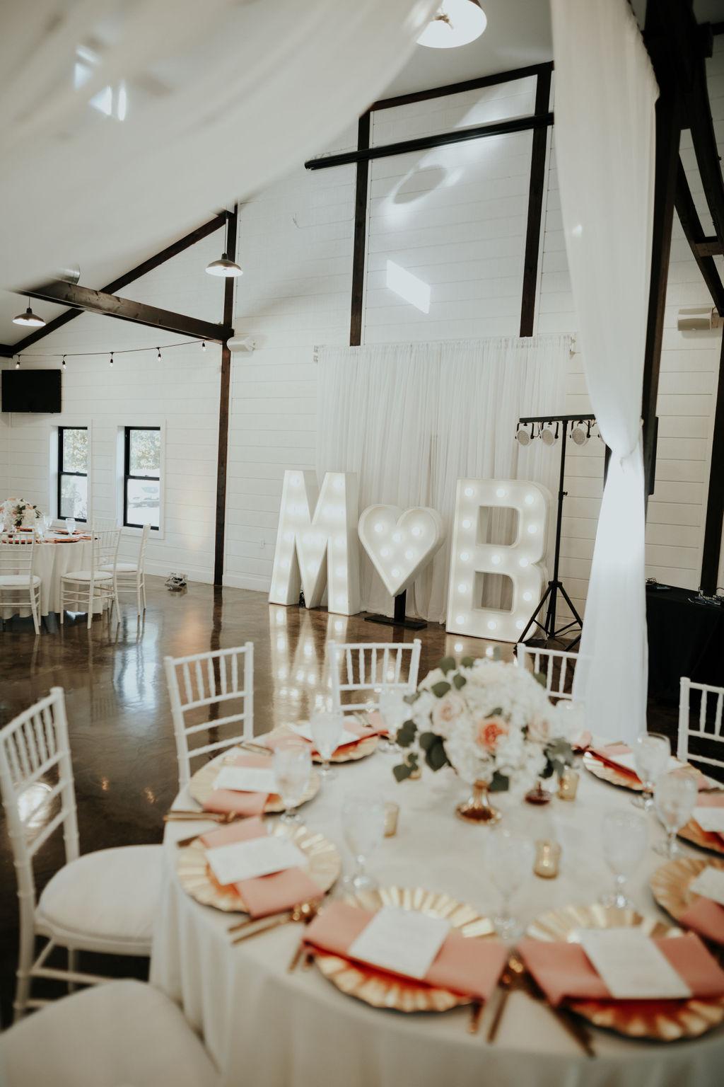 Best Oklahoma Outdoor Wedding Venue Tulsa Bixby White Barn 41.jpg