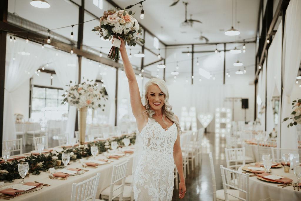 Best Oklahoma Outdoor Wedding Venue Tulsa Bixby White Barn 46.jpg