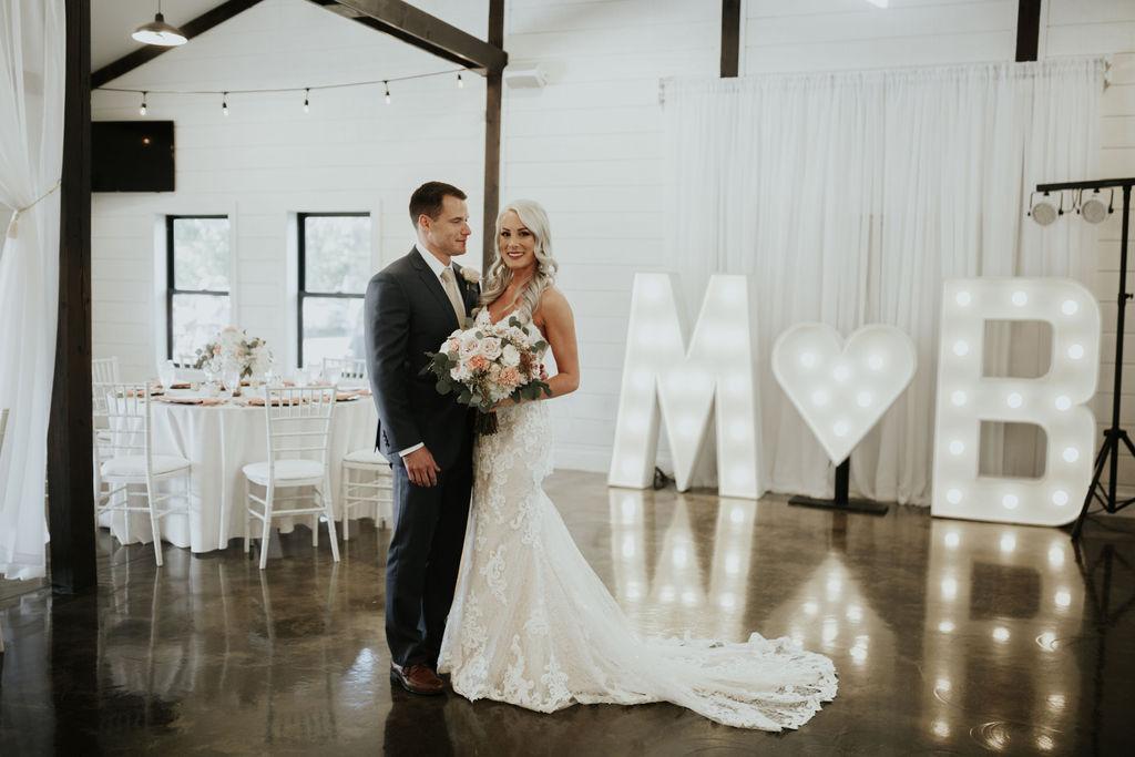 Best Oklahoma Outdoor Wedding Venue Tulsa Bixby White Barn 49.jpg