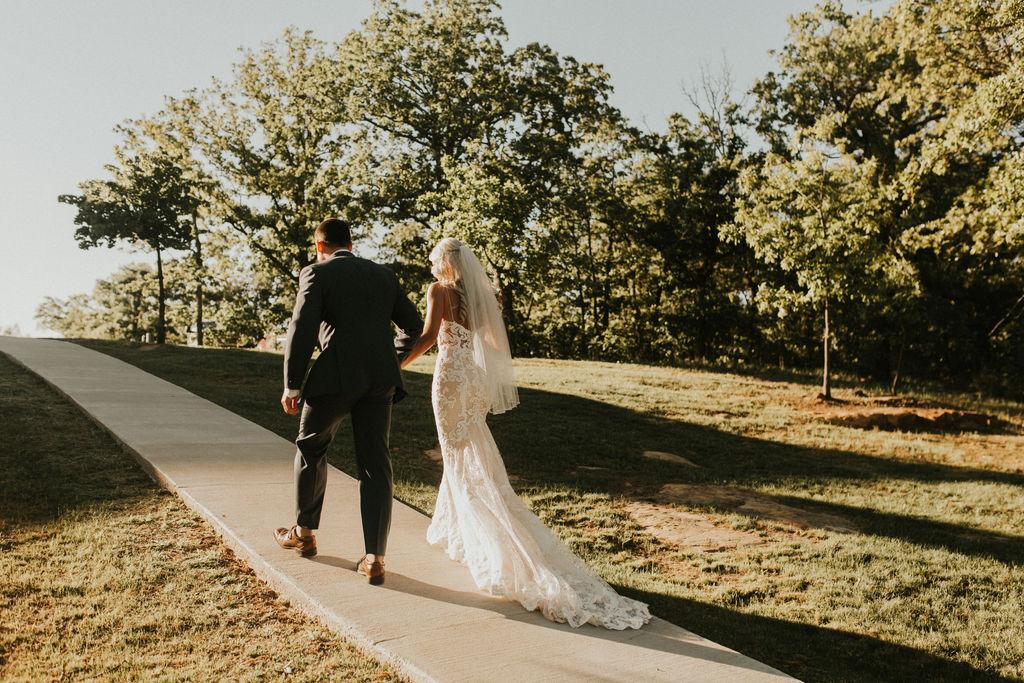 Best Oklahoma Outdoor Wedding Venue Tulsa Bixby White Barn 57.jpg