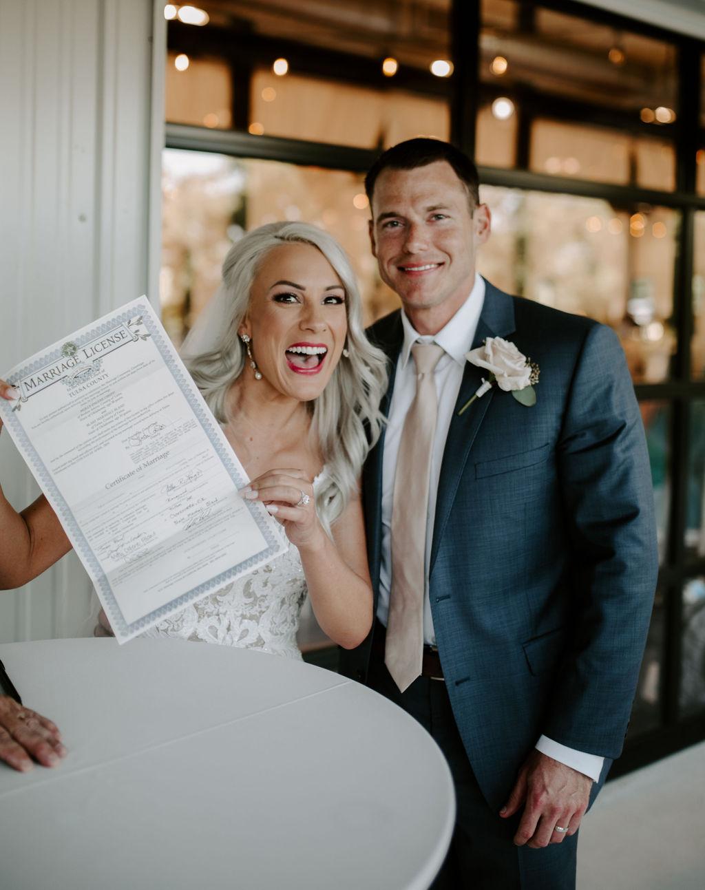Best Oklahoma Outdoor Wedding Venue Tulsa Bixby White Barn 59.jpg
