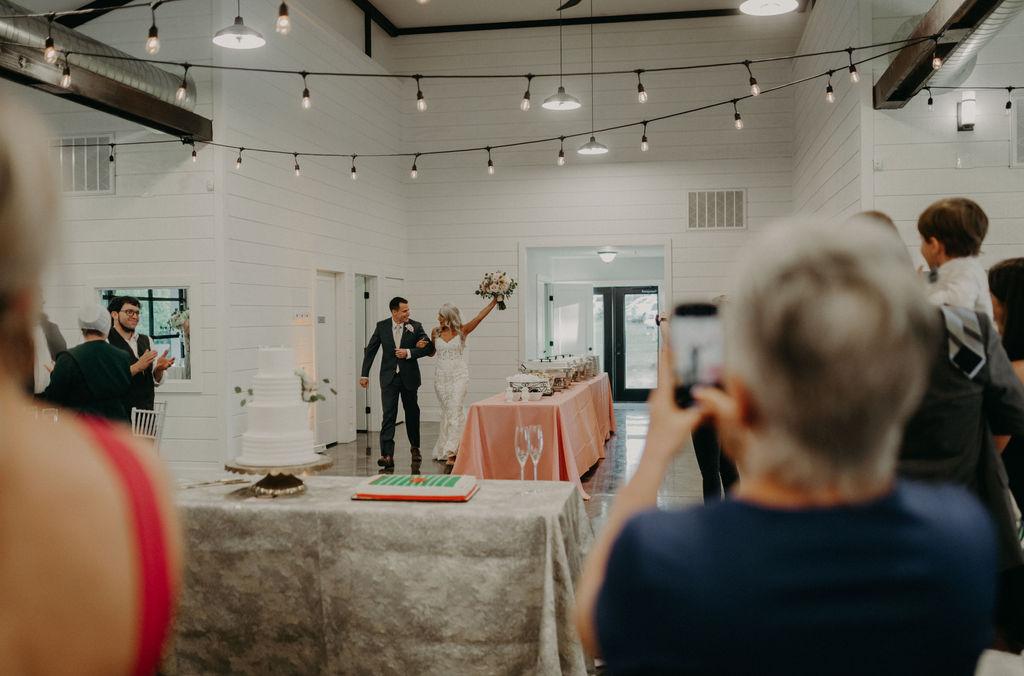 Best Oklahoma Outdoor Wedding Venue Tulsa Bixby White Barn 60.jpg