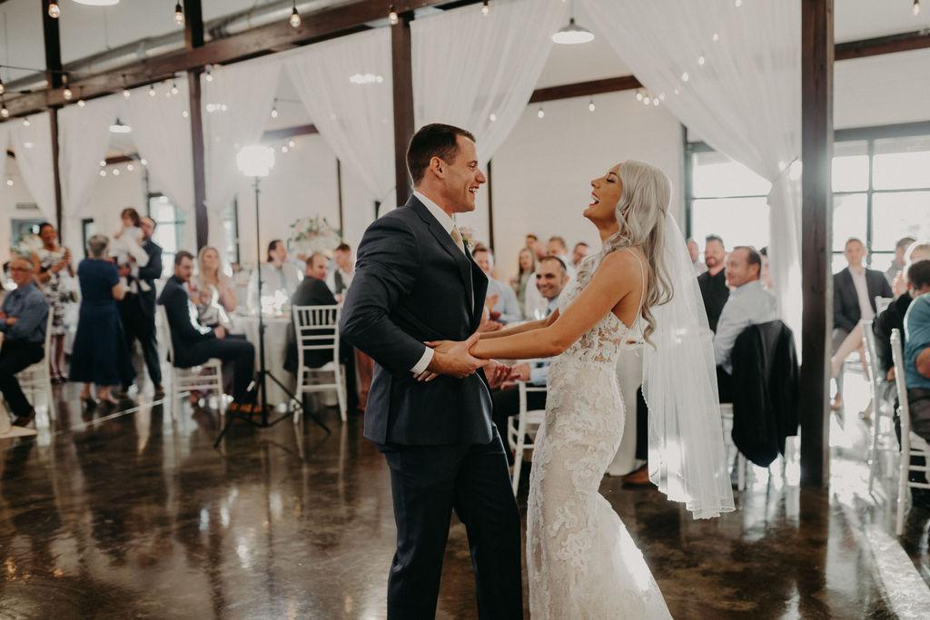 Best Oklahoma Outdoor Wedding Venue Tulsa Bixby White Barn 62.jpg