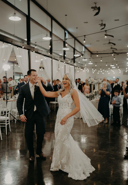 Best Oklahoma Outdoor Wedding Venue Tulsa Bixby White Barn 61.jpg
