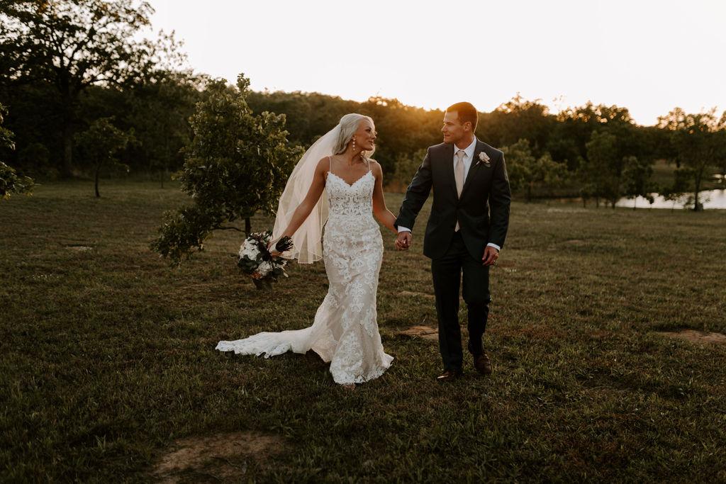 Best Oklahoma Outdoor Wedding Venue Tulsa Bixby White Barn 68.jpg