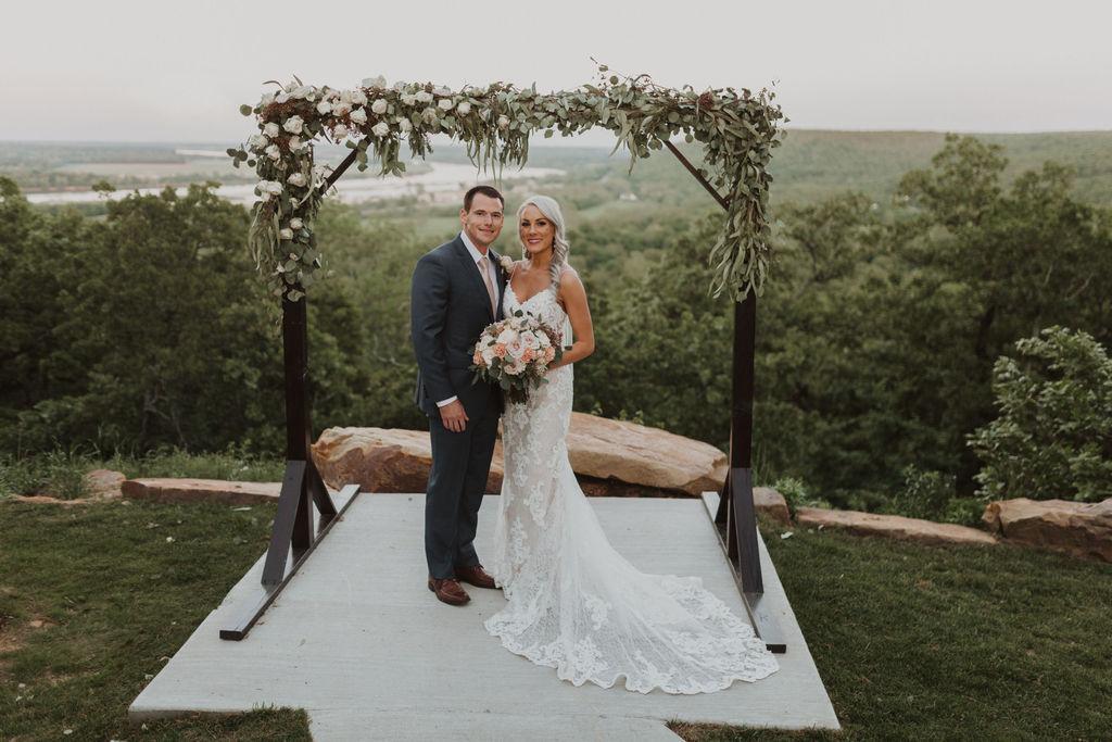 Best Oklahoma Outdoor Wedding Venue Tulsa Bixby White Barn 72.jpg