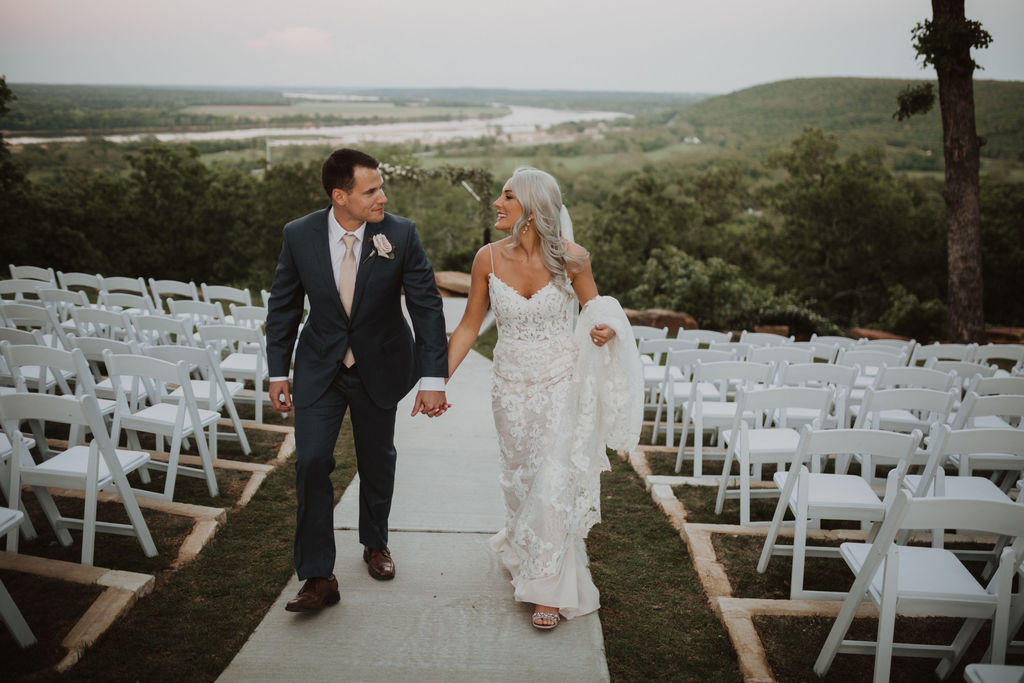 Best Oklahoma Outdoor Wedding Venue Tulsa Bixby White Barn 75.jpg
