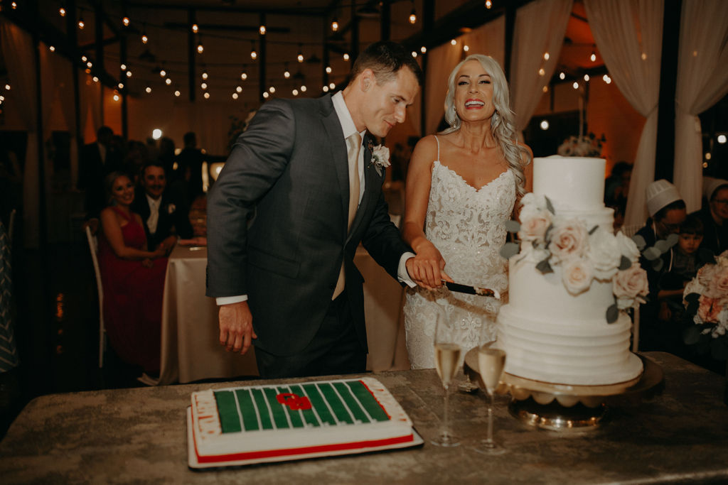 Best Oklahoma Outdoor Wedding Venue Tulsa Bixby White Barn 76.jpg