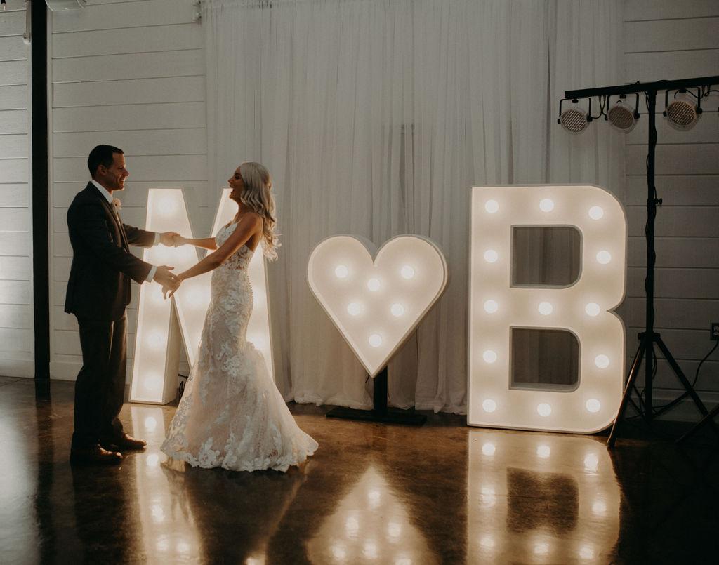 Best Oklahoma Outdoor Wedding Venue Tulsa Bixby White Barn 80.jpg