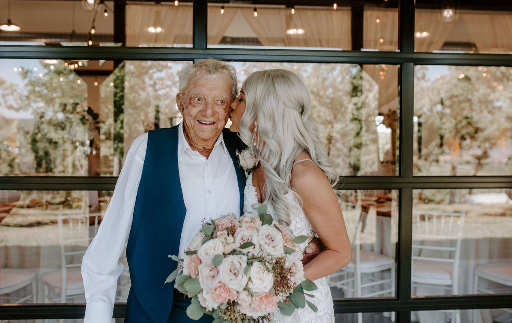 Best Oklahoma Outdoor Wedding Venue Tulsa Bixby White Barn 30.jpg