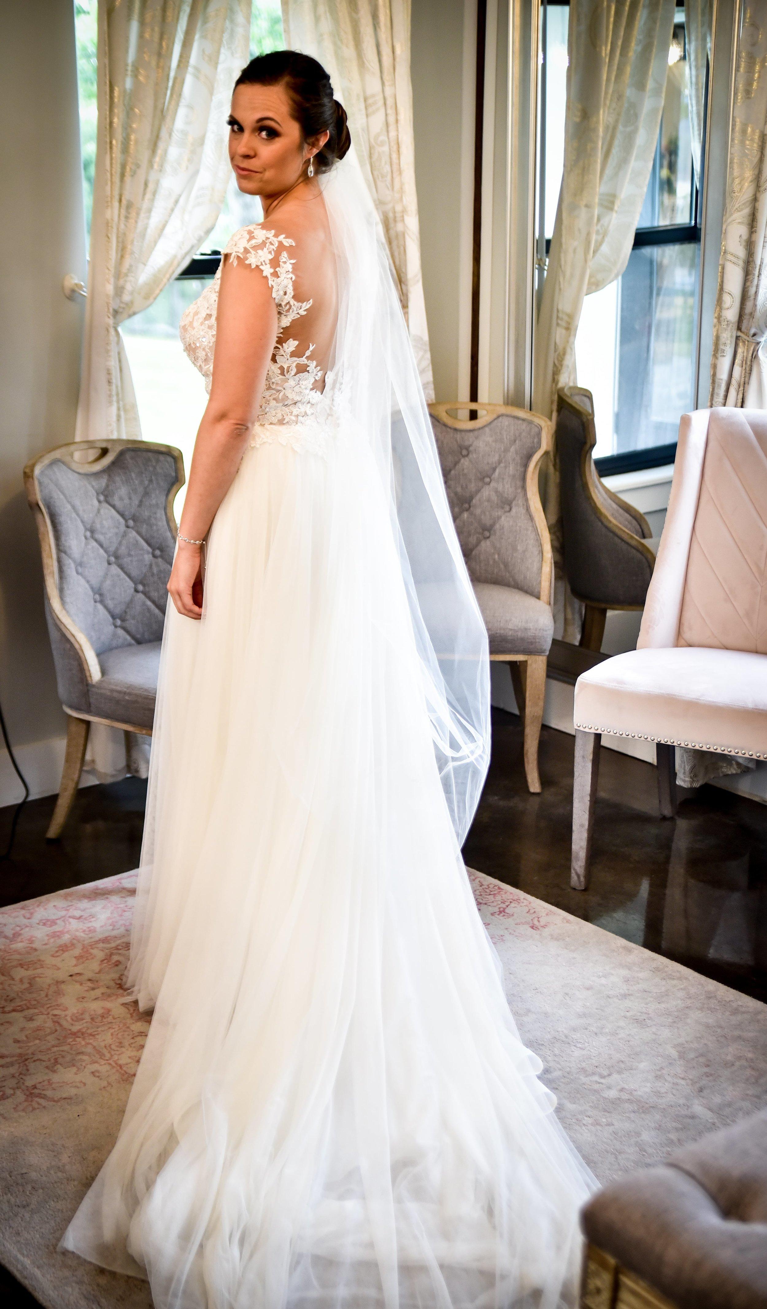 Modern Bright Light White Tulsa Wedding Venue 5-min.jpg
