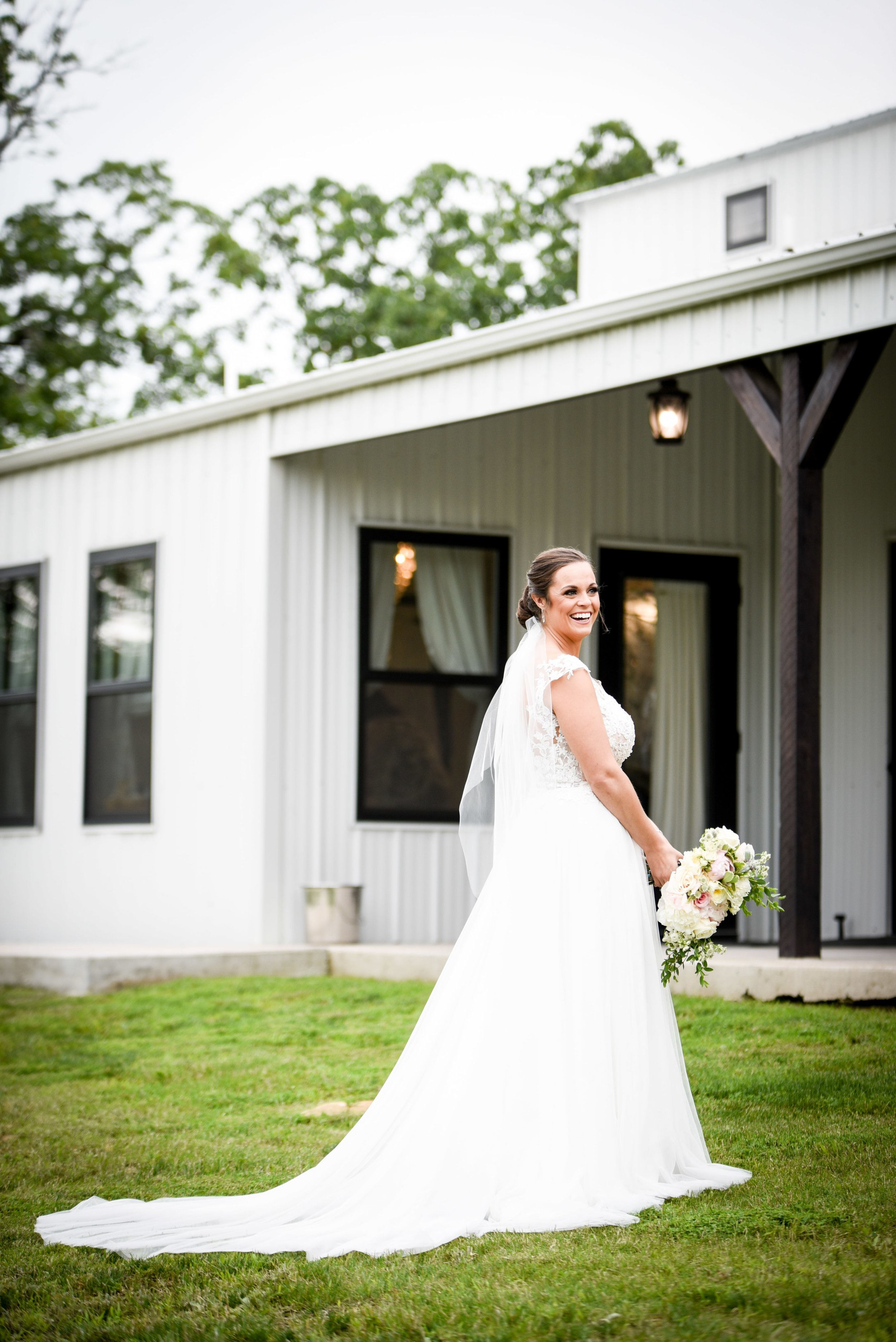 Modern Bright Light White Tulsa Wedding Venue 9-min.jpg