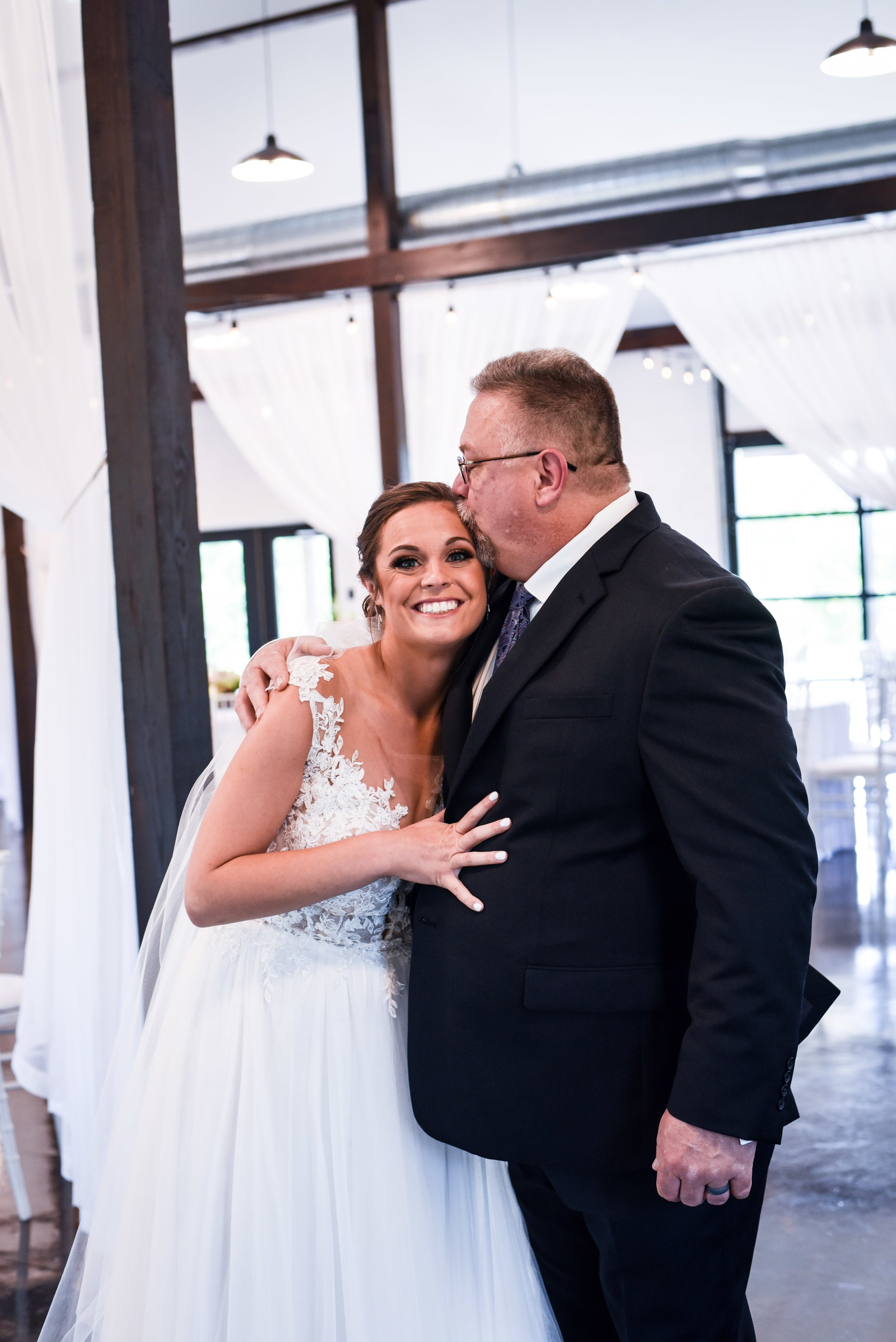Modern Bright Light White Tulsa Wedding Venue 16-min.jpg