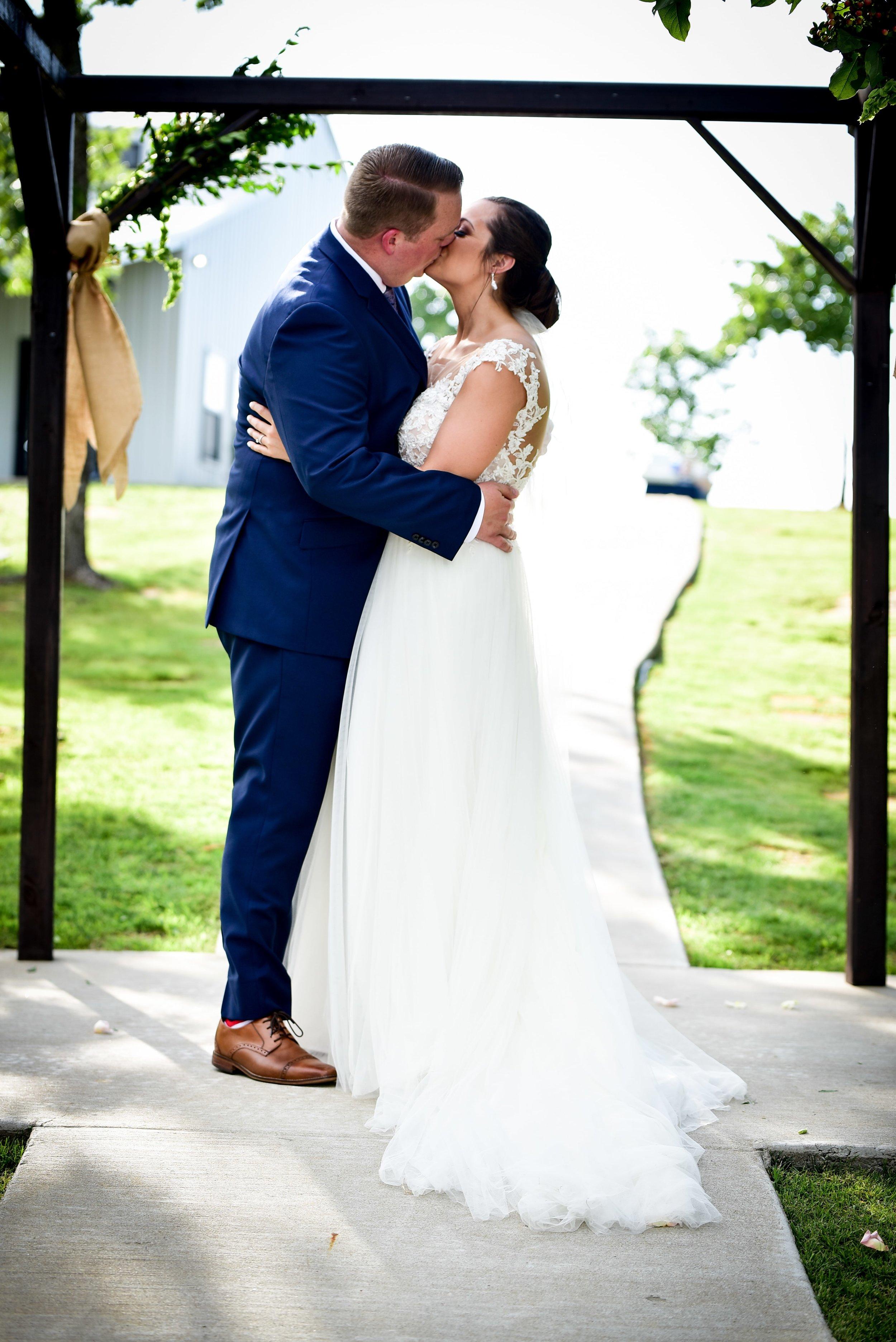 Modern Bright Light White Tulsa Wedding Venue 33-min.jpg