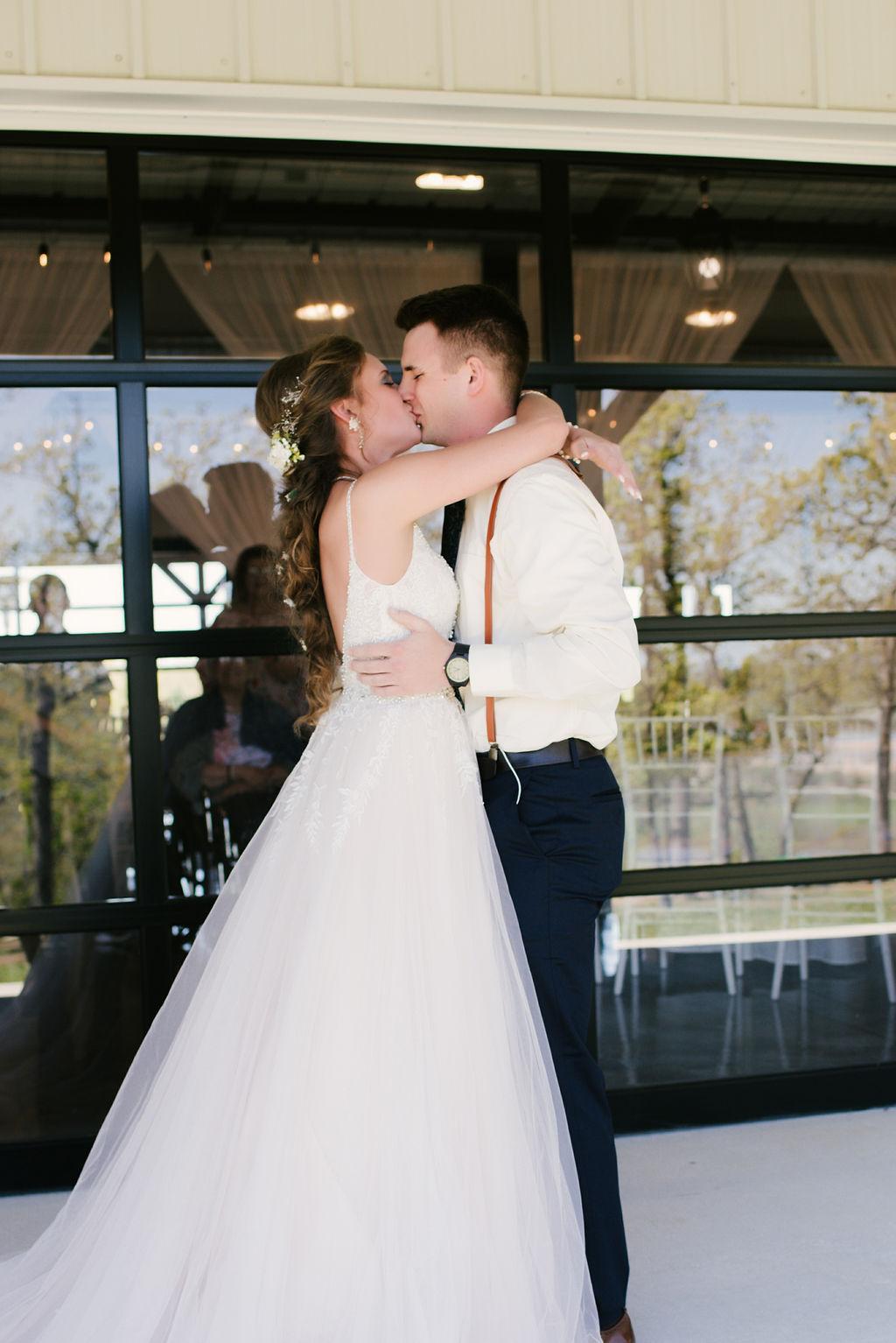 Tulsa Best Outdoor Wedding Venue 12.jpg