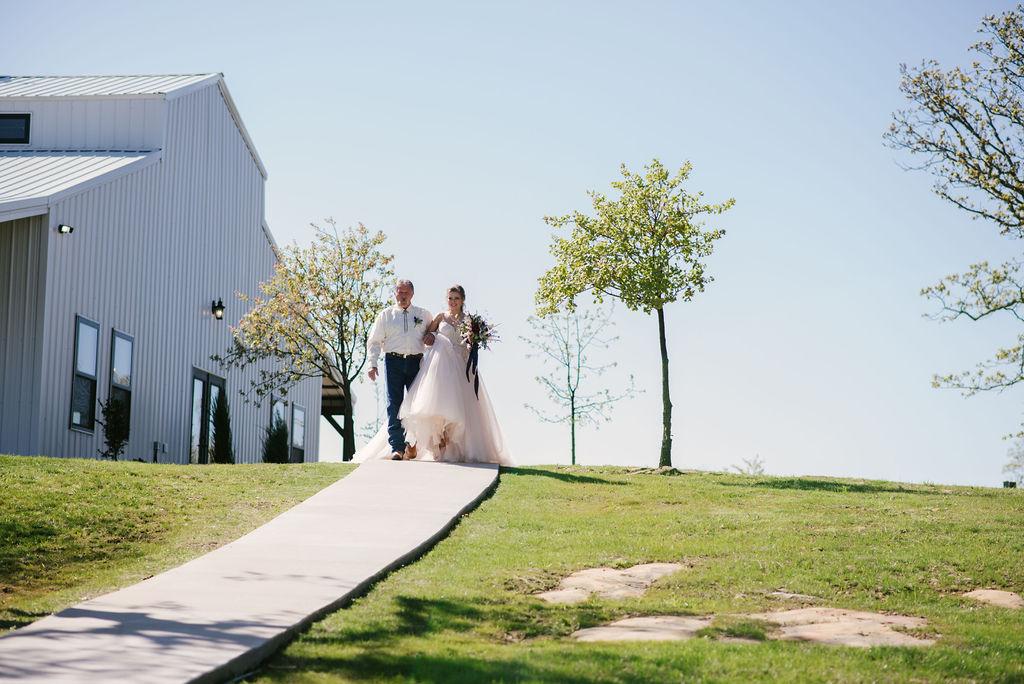 Tulsa Best Outdoor Wedding Venue 19.jpg