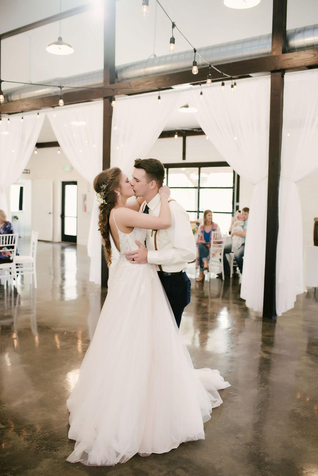 Tulsa Best Outdoor Wedding Venue 30.jpg