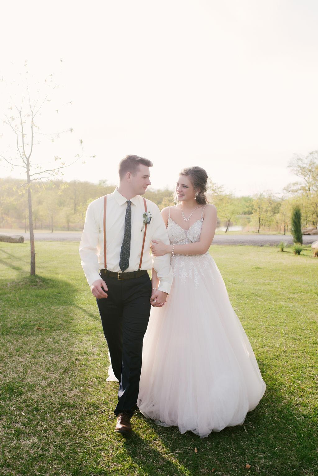 Tulsa Best Outdoor Wedding Venue 39.jpg