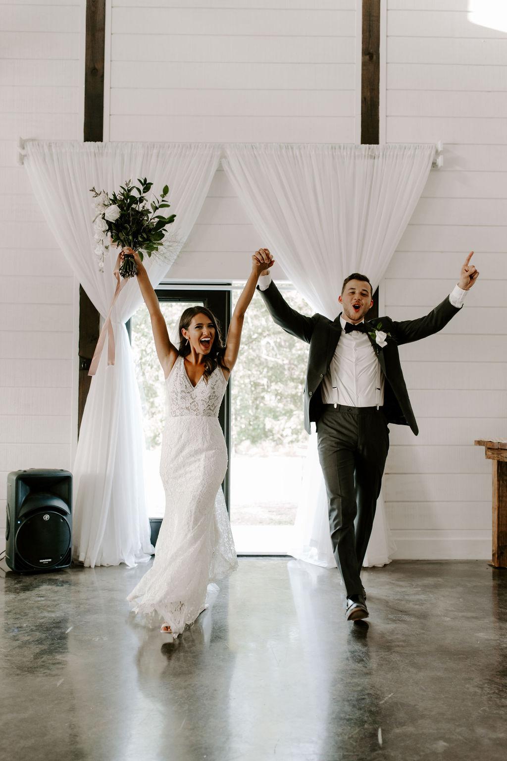 Tulsa White Barn Wedding Venue Outdoor Ceremony 99.jpg