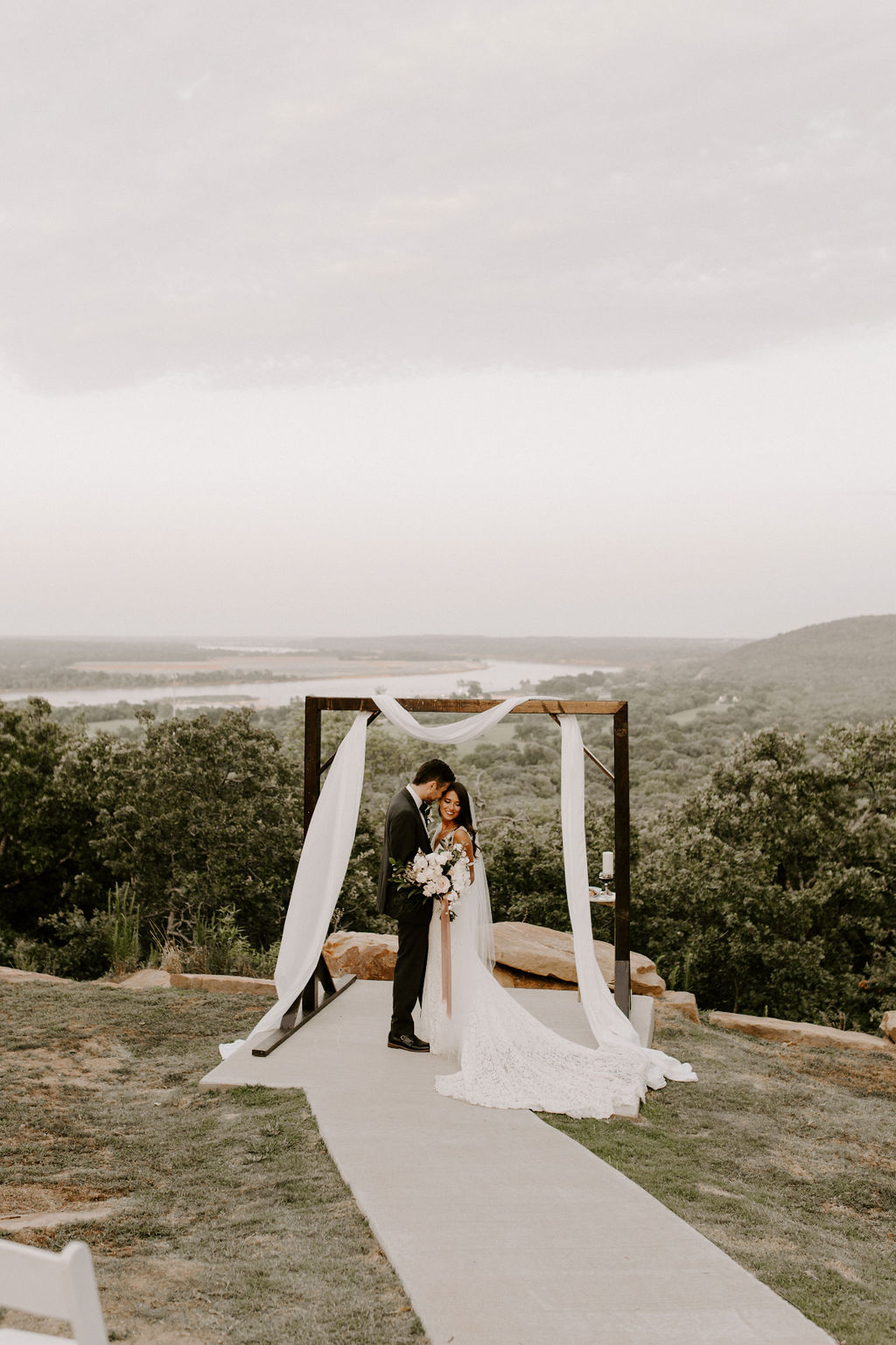 Tulsa White Barn Wedding Venue Outdoor Ceremony 115.jpg