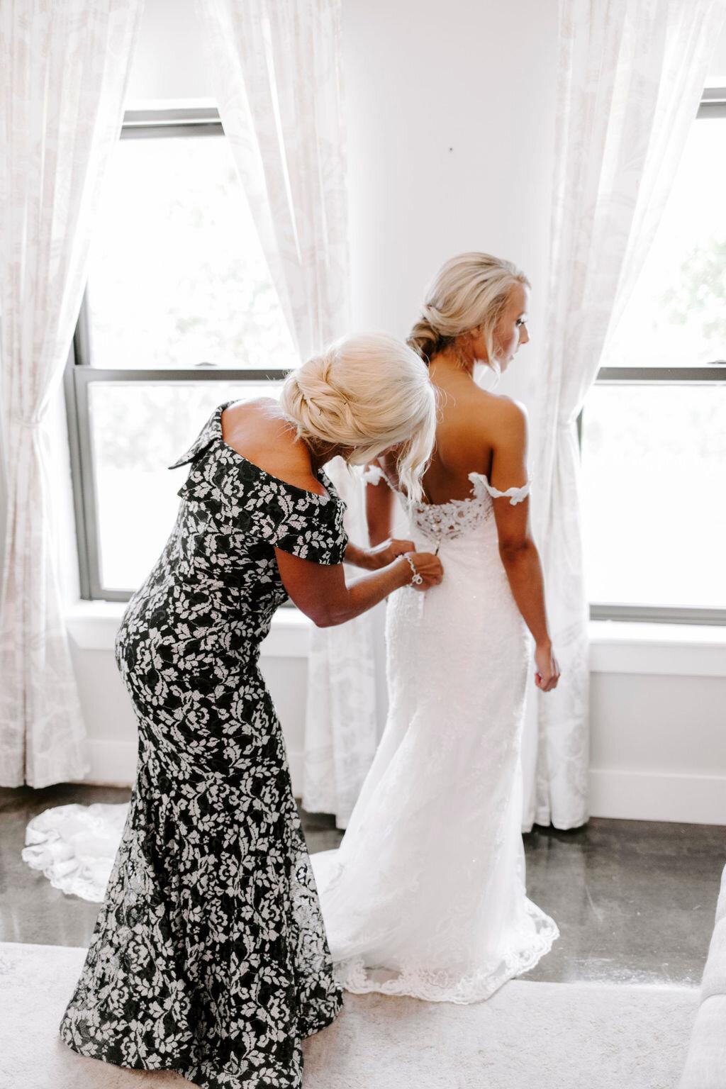 Tulsa White Barn Wedding Venue Outdoor Ceremony 28.jpg