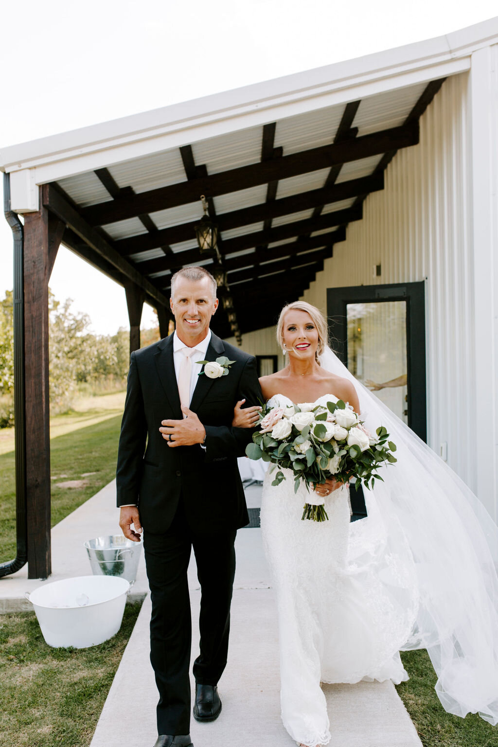 Tulsa White Barn Wedding Venue Outdoor Ceremony 81.jpg