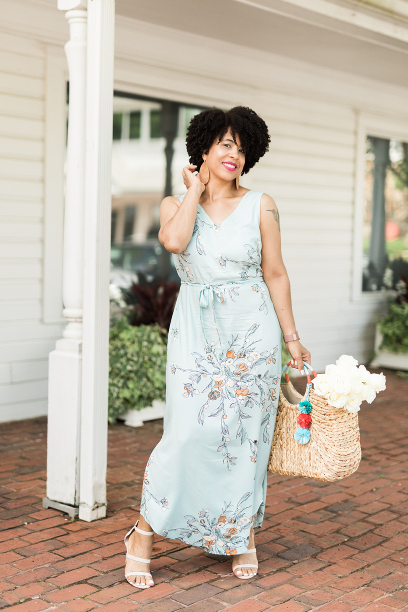 Florals and  maxi dresses  are a match made in heaven!