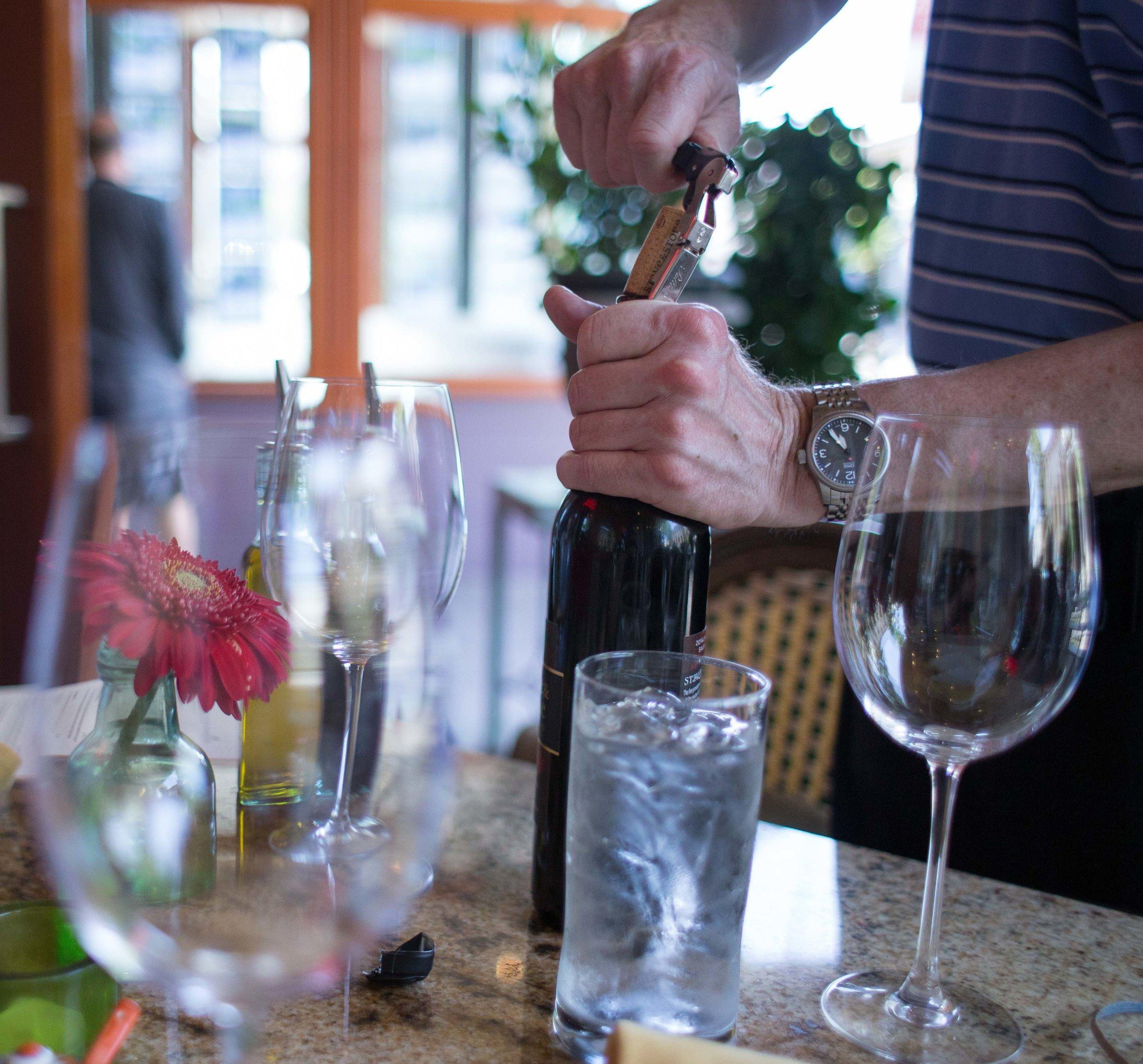 Hood River Wine Alliance Wine Walk  Columbia Gorge Downtown Tasting Rooms Wineries Drink Taste Explore-92.jpg