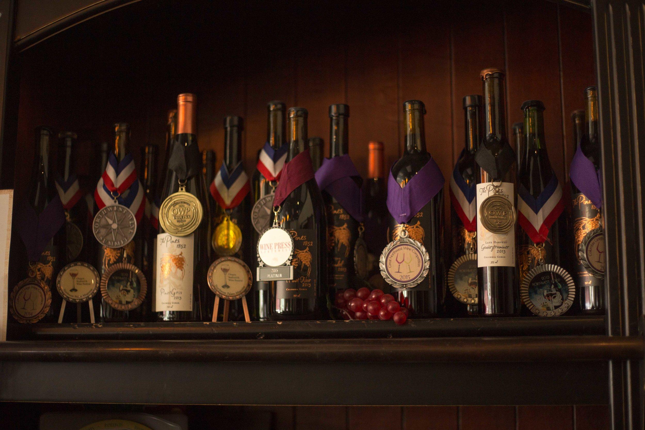 Hood River Wine Alliance Wine Walk  Columbia Gorge Downtown Tasting Rooms Wineries Drink Taste Explore-130.jpg