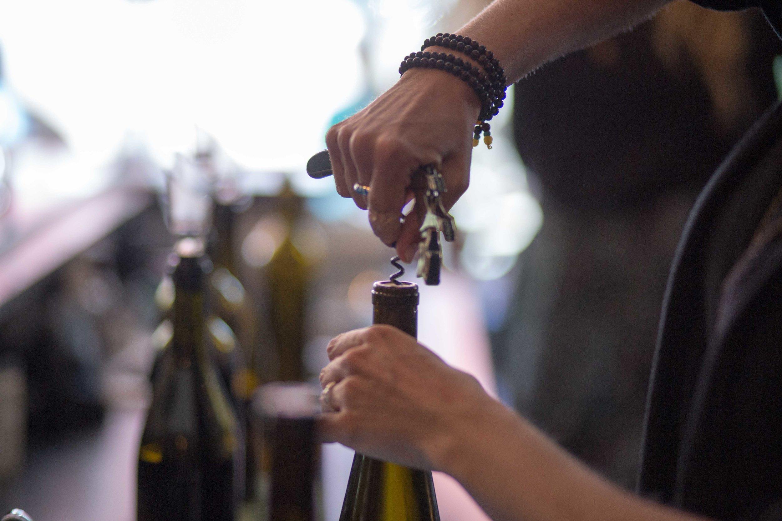 Hood River Wine Alliance Wine Walk  Columbia Gorge Downtown Tasting Rooms Wineries Drink Taste Explore-71.jpg