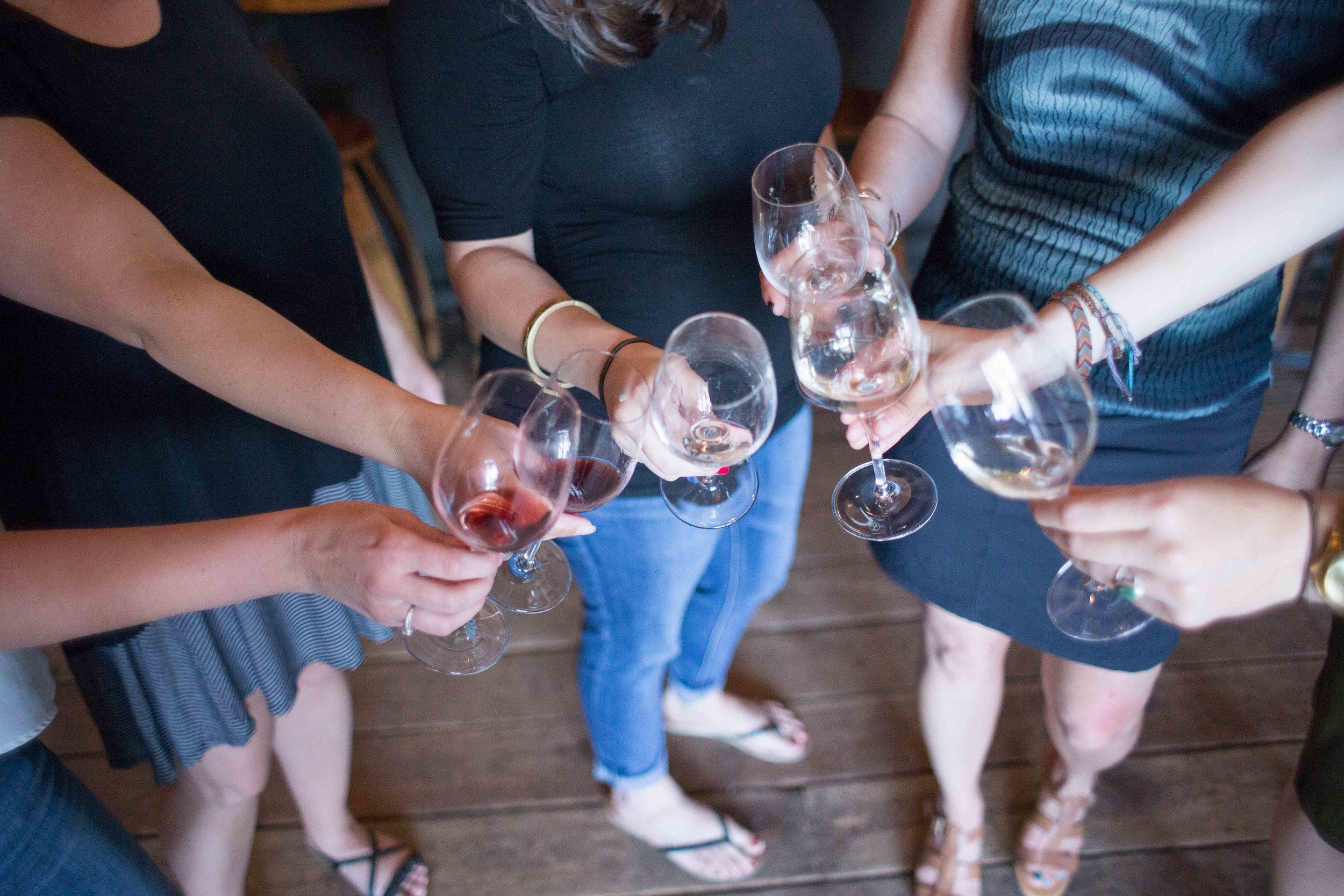 Hood River Wine Alliance Wine Walk  Columbia Gorge Downtown Tasting Rooms Wineries Drink Taste Explore-20.jpg