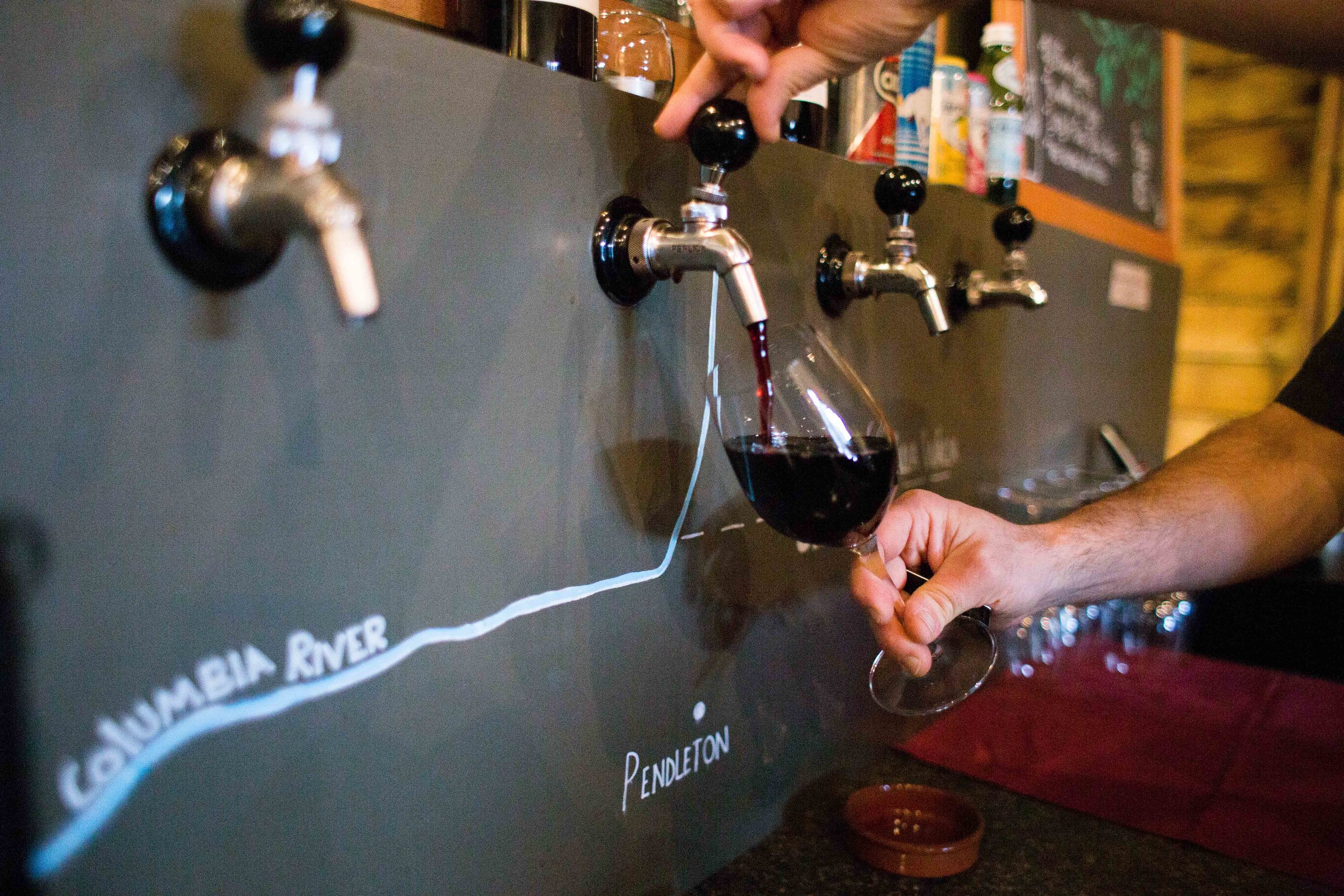 Hood River Wine Alliance Wine Walk Columbia Gorge Downtown Tasting Rooms Wineries Drink Taste Explore Columbia Gorge Oregon Washington-43.jpg