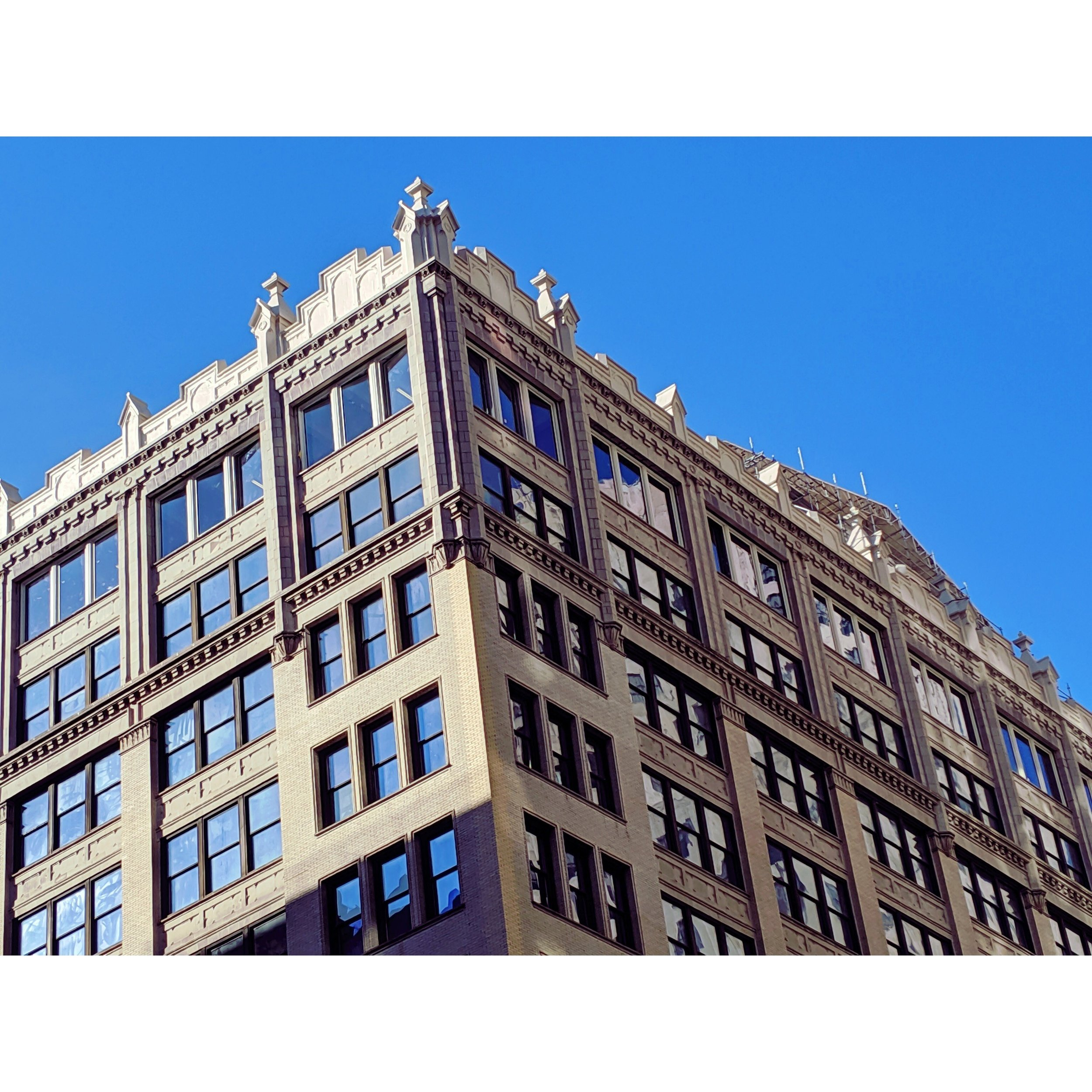 Top Floor of 345 PAS Complete - July 17, 2019Skyline Windows is manufacturing & installing Series 500 Casements throughout the recently redeveloped building on Park Avenue South.